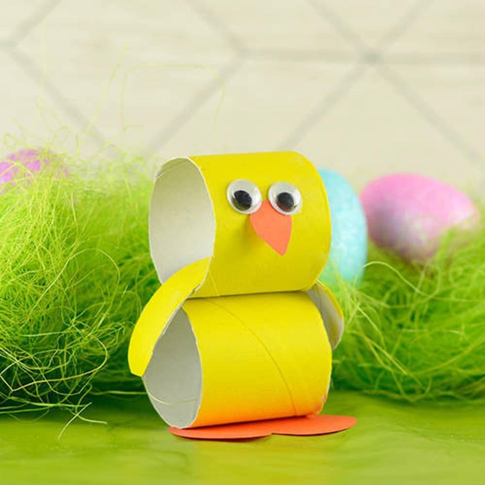 This super simple paper tube Easter Chick craft is a fun crafty project to do with your kids over the holidays. Dziecięce Rękodzieło, Przedszkolne Materiały Dydaktyczne, Szkółka Niedzielna, Zwierzęta, Bricolage, Nauczanie, Dzieci, Biwak, Rzemiosło
